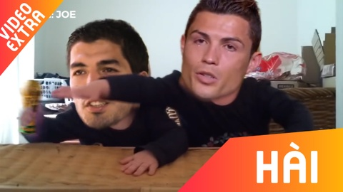 Ronaldo 'khoc loc' doi cup vang, Suarez van ngan can trong clip che hinh anh