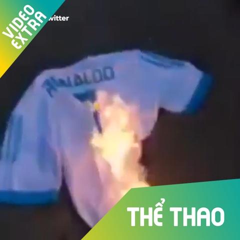 Fan dot ao Ronaldo khi anh roi Real Madrid hinh anh