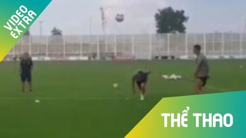 Ronaldo bi dong doi che cuoi vi pha do 'truot bong' hinh anh