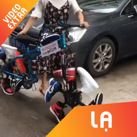 Dung 12 chiec sneaker 'mo uoc' de ket thanh banh xe dap hinh anh