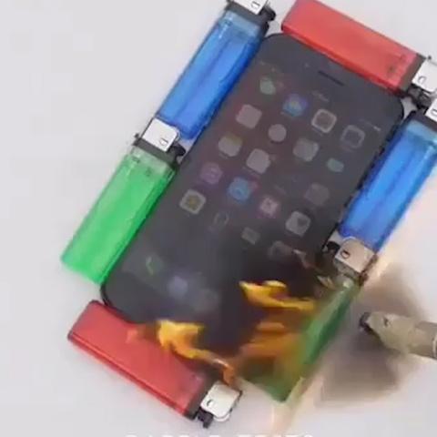 'Tra tan' iPhone duoi den kho va cai ket bat ngo hinh anh