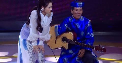 Cat Phuong, Quyen Linh kinh ngac truoc cu ong 69 tuoi dan bang mot tay hinh anh