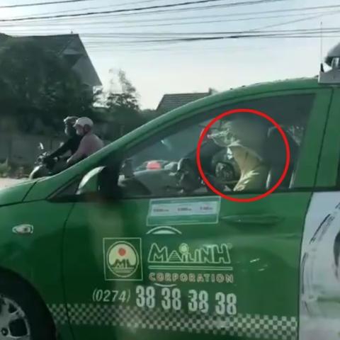 Tai xe trum khan, doi non kin mit du lai taxi hinh anh