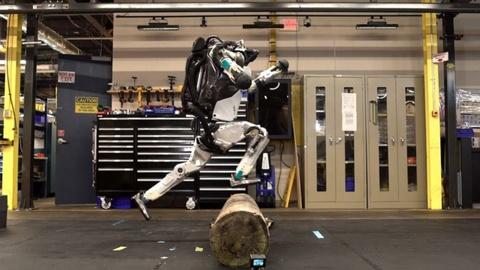 Robot biet nhan dien vat can va bat nhay nhu nguoi that hinh anh