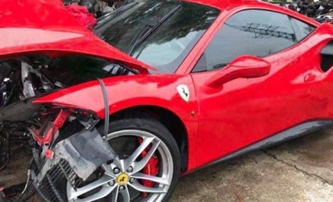 Sieu xe Ferrari gap nan, Tuan Hung phai chi bao nhieu tien sua chua? hinh anh