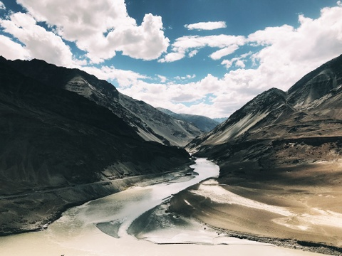 Duong den Ladakh - hanh trinh danh cho nhung doi chan khong biet moi hinh anh 2