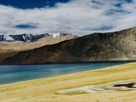 Duong den Ladakh - hanh trinh danh cho nhung doi chan khong biet moi hinh anh 5