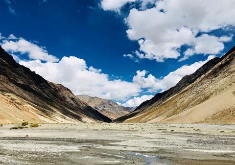 Duong den Ladakh - hanh trinh danh cho nhung doi chan khong biet moi hinh anh 11