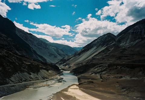 Duong den Ladakh - hanh trinh danh cho nhung doi chan khong biet moi hinh anh 6