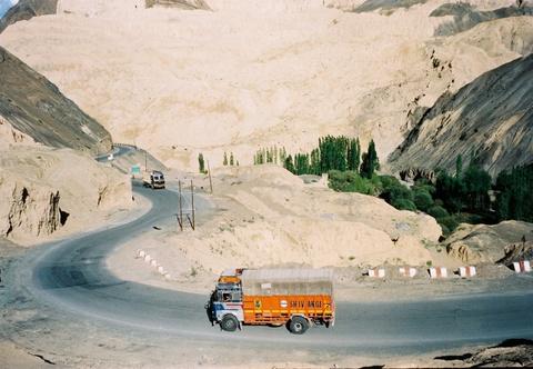 Duong den Ladakh - hanh trinh danh cho nhung doi chan khong biet moi hinh anh 7