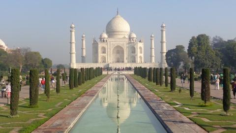 Đền Taj Mahal ở Ấn Độ tăng giá vé tham quan