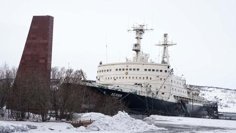 Tàu phá băng nguyên tử đầu tiên và 30 năm tung hoành ở vùng cực