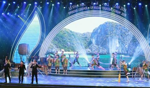 2.000 dai bieu quoc te tham du khai mac dien dan du lich ASEAN 2019 hinh anh