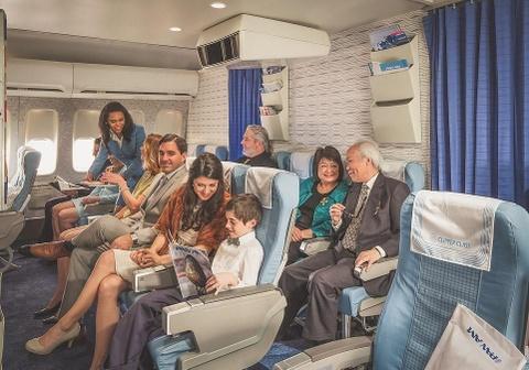 Tro ve thap nien 70 voi trai nghiem bay kieu co dien tren Boeing 747 hinh anh 9