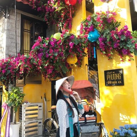 Nguoi Han Quoc thich thu check-in quan banh mi Phuong o Seoul hinh anh 5