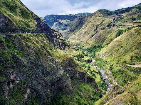 #Mytour: Colombia tren hanh trinh cua phuot thu xe may xuyen luc dia hinh anh 3