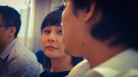 Cat Phuong khoc, Kieu Minh Tuan xin loi trong cuoc hop bao hinh anh