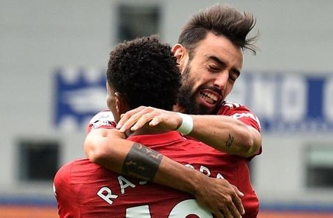 Man thoat hiem cua Man United va Chelsea hinh anh