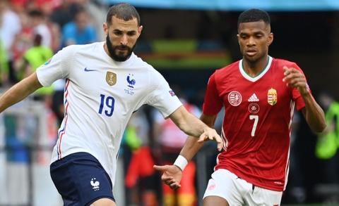 Hungary 0-0 Phap: HLV Deschamps that vong voi Benzema hinh anh