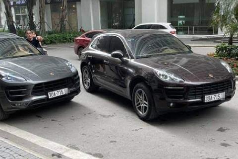 Mot trong 2 xe Porsche cung bien so bi duc so khung, so may hinh anh