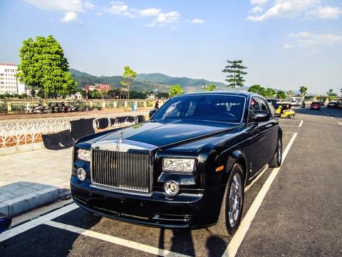 Rolls-Royce ban o cho xe cu ve tay dai gia Lao Cai hinh anh