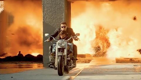 Canh ruot duoi tren chiec Harley-Davidson 'Fat Boy' hinh anh