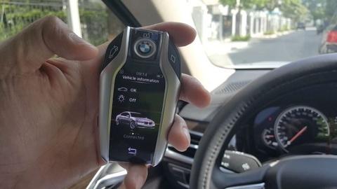 Smartphone se thay the chia khoa xe tuong lai hinh anh