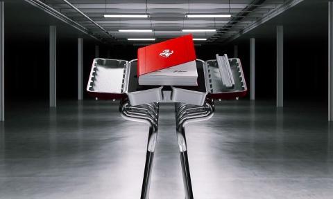 Sach hiem ve Ferrari dat hon Toyota Camry hinh anh