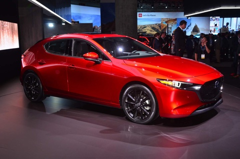 Mazda3 2019 lan dau tien co tuy chon dan dong bon banh hinh anh