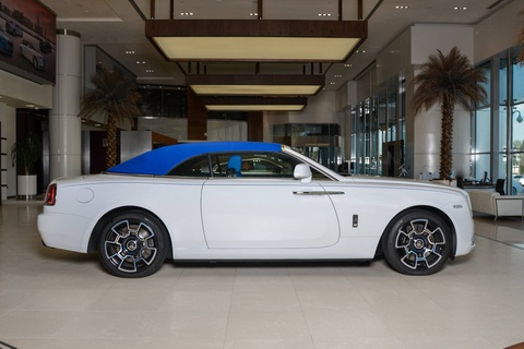 Rolls-Royce Dawn phoi mau doc dao o Abu Dhabi hinh anh 2