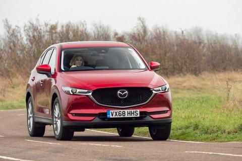 Mazda CX-5 2019 ban cao cap nhat gia hon 47.000 USD hinh anh