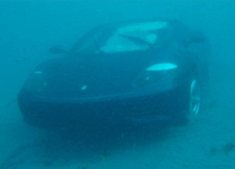 Canh sieu xe Ferrari 360 lao xuong bien hinh anh