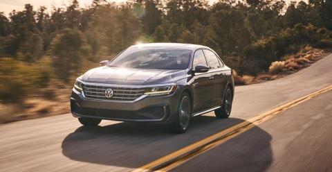 Volkswagen Passat 2020 khoac dien mao moi hinh anh
