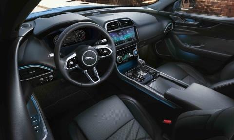 Jaguar XE phien ban 2020 the thao va ca tinh hon hinh anh 3