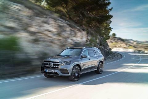 Mercedes-Benz GLS 2020 chot gia ban, canh tranh BMW X7 hinh anh 1