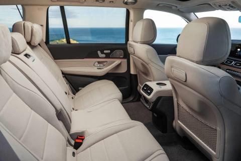 Mercedes-Benz GLS 2020 chot gia ban, canh tranh BMW X7 hinh anh 6