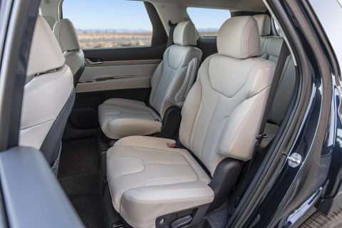 Hyundai Palisade chot gia ban, re hon Ford Explorer hinh anh 6