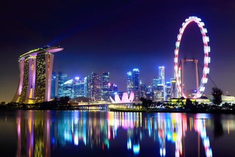 Khong gioi tieng Anh, toi co the du lich tu tuc Singapore? hinh anh