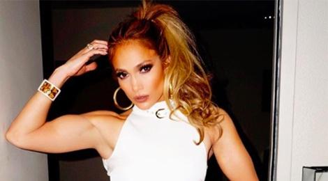 Than hinh Jennifer Lopez ngay cang co bap hinh anh
