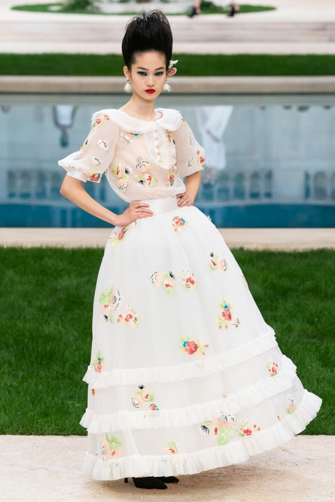 Vi sao 'Bo gia' Karl Lagerfeld vang mat tai show thoi trang Chanel? hinh anh 14