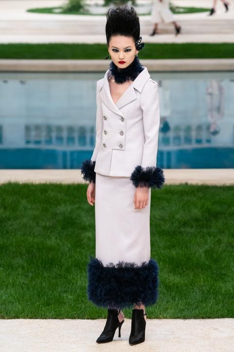 Vi sao 'Bo gia' Karl Lagerfeld vang mat tai show thoi trang Chanel? hinh anh 5