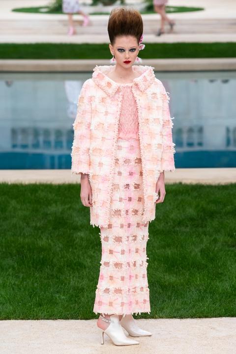 Vi sao 'Bo gia' Karl Lagerfeld vang mat tai show thoi trang Chanel? hinh anh 7