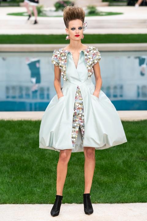Vi sao 'Bo gia' Karl Lagerfeld vang mat tai show thoi trang Chanel? hinh anh 10