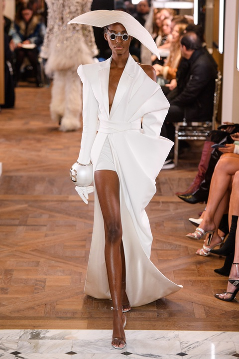 Di tim cac thiet ke doc dao tai tuan le thoi trang Haute Couture SS19 hinh anh 15