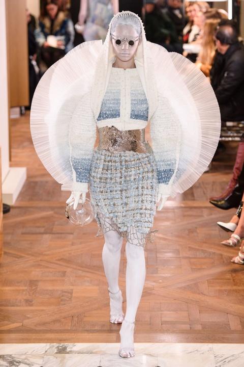 Di tim cac thiet ke doc dao tai tuan le thoi trang Haute Couture SS19 hinh anh 18