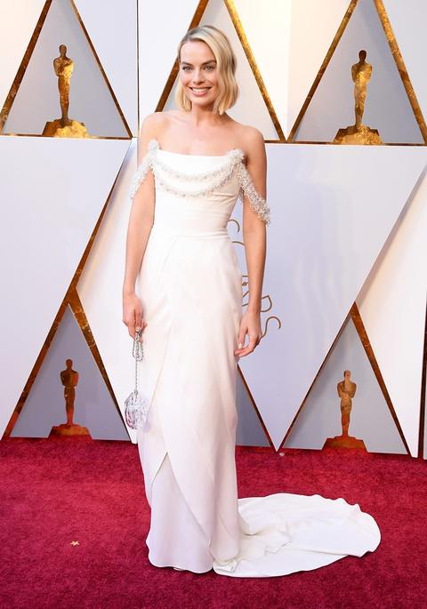 Thiet ke long lay cua Karl Lagerfeld di vao lich su le trao giai Oscar hinh anh 1
