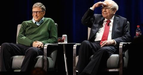 Ty phu Bill Gates chi thich mac kieu ao len khoac ngoai so mi hinh anh 5