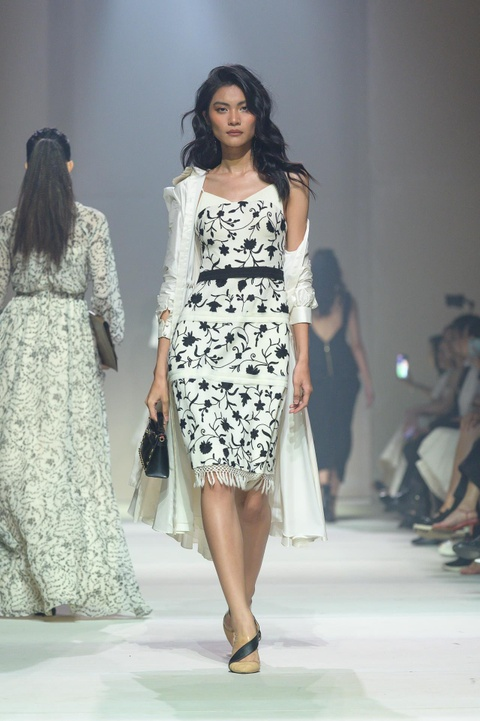 Khong co Ky Duyen va Minh Trieu, show Le Thanh Hoa co that su dep? hinh anh 27