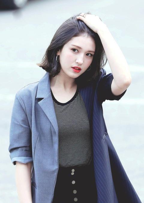 Jeon Somi - 'bong hong lai' xinh dep, so huu gu thoi trang tre trung hinh anh 4