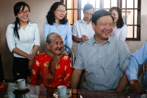 'Phong cach Dinh La Thang': Tu Tu lenh den Chinh uy hinh anh 1